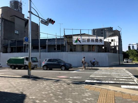 堀川下立売東入る角地にバリケードが!!