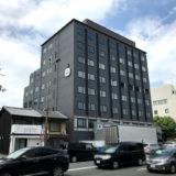 イオンモールKYOTOの南、プレサンスコーポレーションのホテル外観現れる『HOTEL WBF 京都東寺』