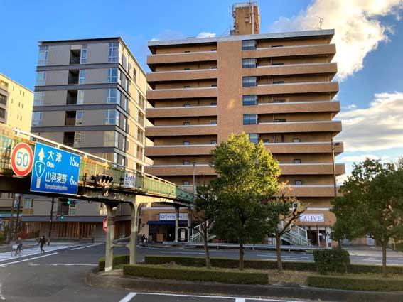 京都のホテル計画に異変が。五条通新町のビルがレーサムの事務所ビルに、他